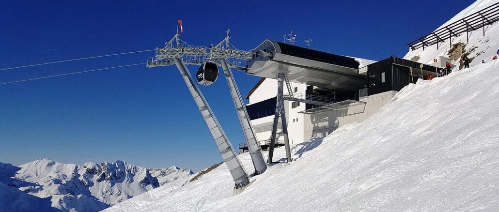 POLSKI SNOWBOARDZISTA SPADŁ ZE SKAŁY
